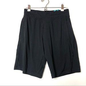 Lululemon Black Men Shorts M B3
